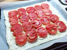 casa-com-bossa_torta-de-tomate-e-manjericao-quase-uma-pizza_passo-a-passo_11